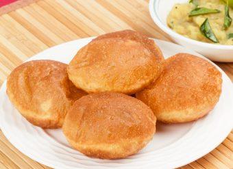 Halwa poori comida paquistanesa