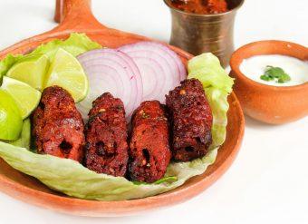 Seekh kabab comida paquistanesa